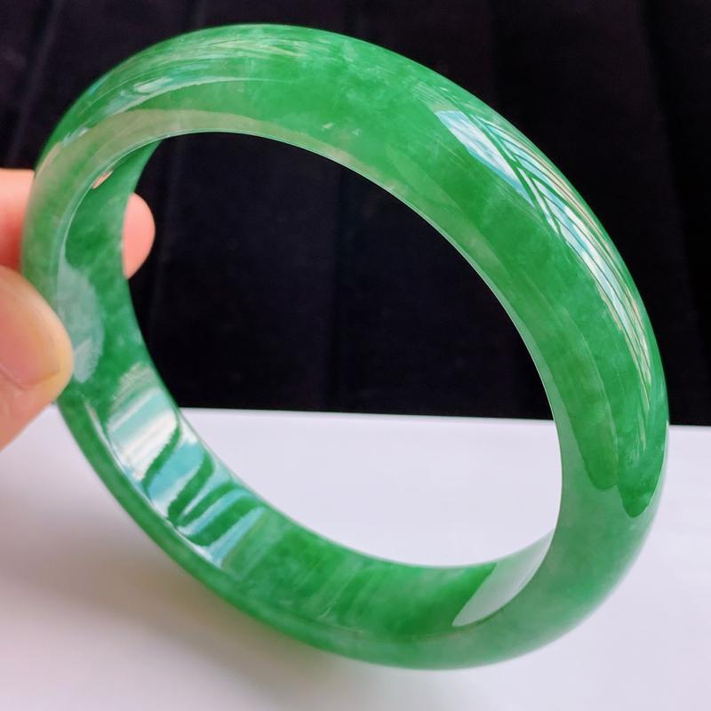 0705老坑精美水润满绿A货翡翠手镯 玉质细腻 色泽美艳 上手奢华高贵