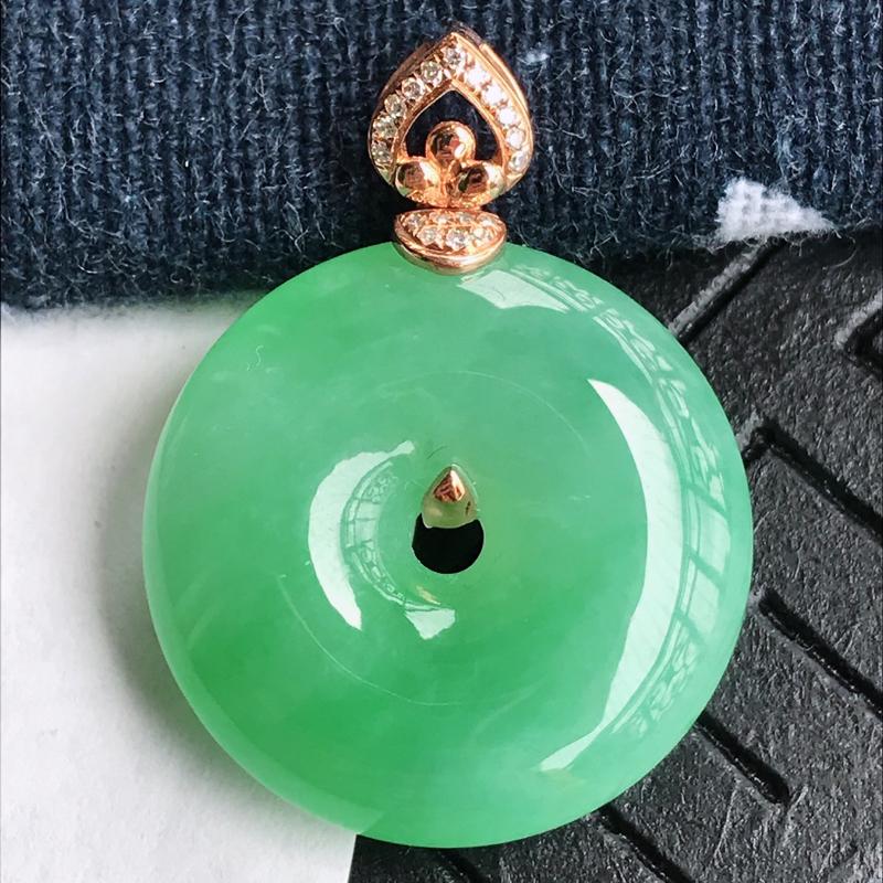 C1007/M7.8 翡翠A货镶嵌18k金伴钻平安扣吊坠,含金尺寸:28.6*21*6.6mm,裸石