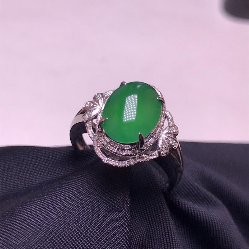 天然翡翠A货,18K金伴钻镶嵌,满绿戒指,料子细腻,色泽鲜艳,性价比超高