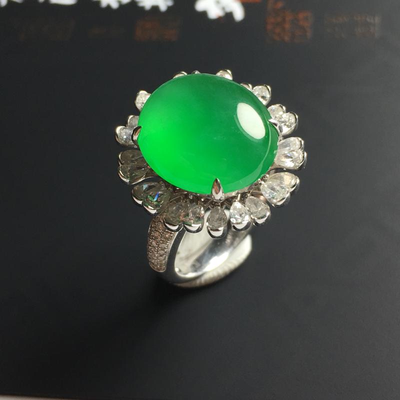 冰种满绿蛋面戒指  18K金带钻镶嵌 内径16.8毫米 裸石尺寸13-11-2.8毫米 水润冰透 翠