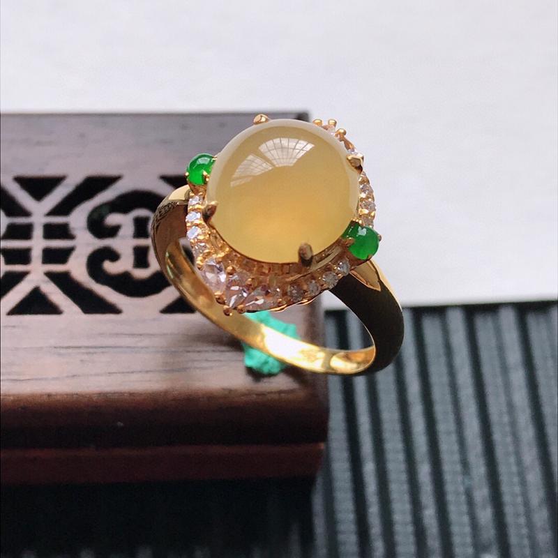 天然翡翠A货18K金镶嵌伴钻糯化种黄翡精美蛋面戒指,内径尺寸18mm, 裸石尺寸10.5-9.5-4