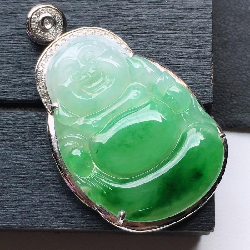 缅甸翡翠18K金伴钻镶嵌保平安带绿佛吊坠,玉质细腻,雕工精美,佩戴送礼佳品,包金尺寸: 40.2*2