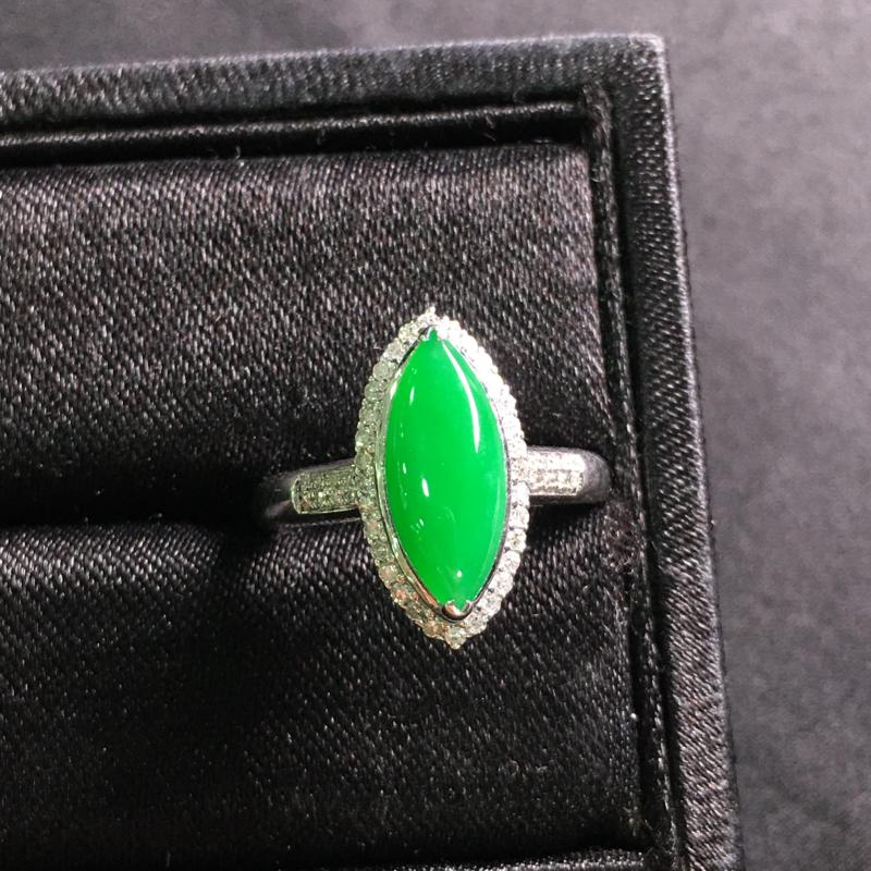 阳绿马眼戒指,18k金伴钻镶嵌,完美,种好