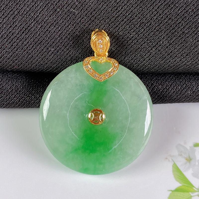 A货翡翠-种好飘绿18K金伴钻平安扣吊坠,尺寸-裸石24.9*5.2mm整体31.4*24.9*5.