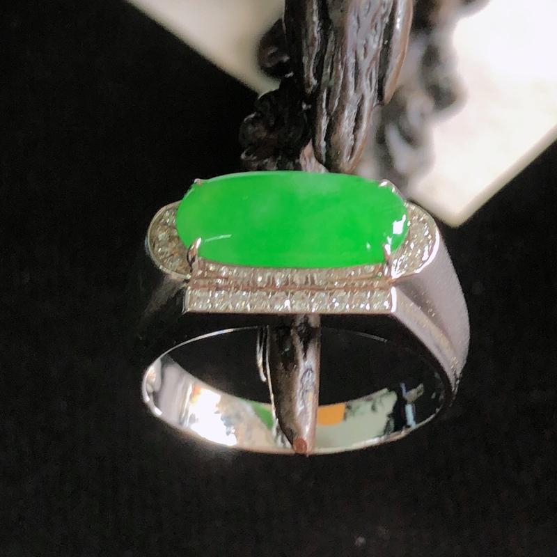 天然a货翡翠满阳绿马鞍18k镶金戒指,玉质细腻,水润
