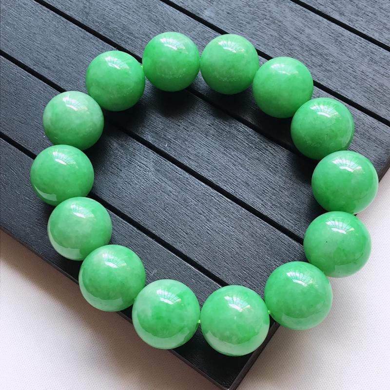 天然翡翠A货,细糯种起光满绿圆珠手链,玉质细腻,颜色漂亮,上手高贵上档次,尺寸其中一颗珠子的直径15