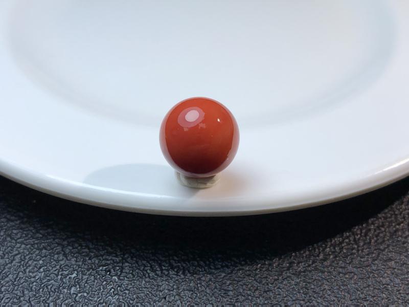 阿卡珊瑚单珠一粒,色泽红润,质感通透,文玩配珠必备单品,尺寸:13.3mm,重:3.3克