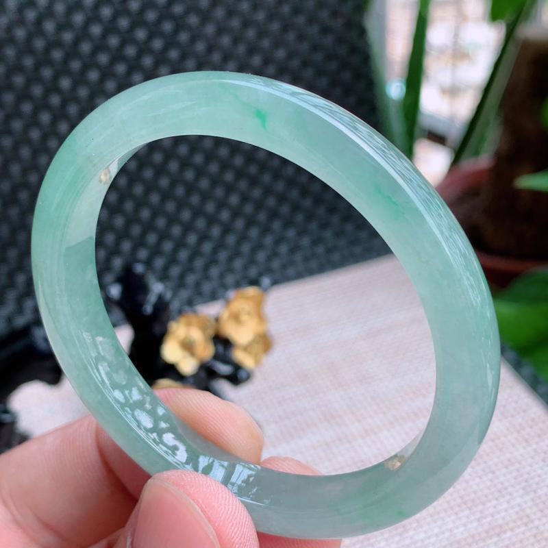 尺寸:51.2/46/8.5/6.6mm,天然A货翡翠冰透带绿贵妃手镯、编号0713xs