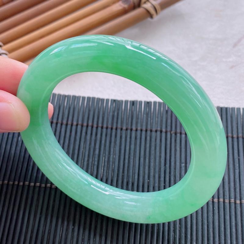 圆条:54.8mm 天然a货种水好糯化种满绿圆条翡翠手镯,圈口:54.8/11.7/11.5mm