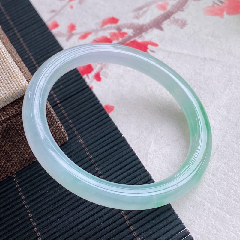 圆条:55.1mm 天然a货种水好糯化种飘花圆条翡翠手镯,圈口:55.1/7.3/8.0mm