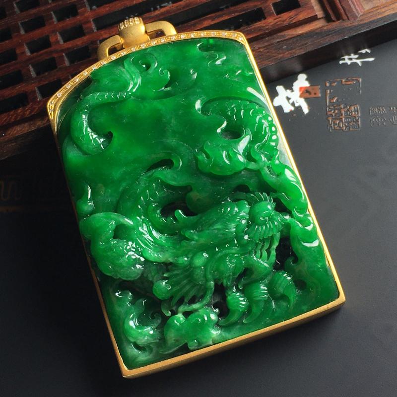 细糯种满绿龙牌吊坠 18K金带钻镶嵌 含金尺寸73-42-14毫米 裸石59-41-9毫米 水润细腻