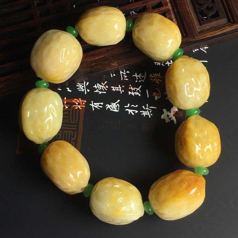 糯种黄翡核桃手串 单颗尺寸23-23-18毫米 色泽艳丽 玉质细腻 饱满圆润 佩戴大气 配珠为装饰品