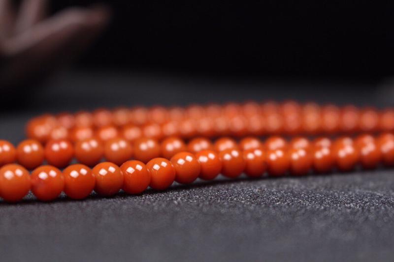 【珠串】瓦西柿子红108珠串,肉满色正,醇厚浓郁,尺寸大气,纯手工细致打磨抛光,沉稳内敛又不失高贵,