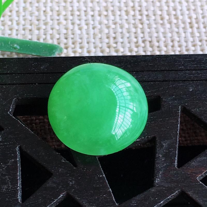 天然缅甸老坑翡翠A货绿色蛋面裸石,可镶嵌戒指,吊坠,锁骨链,种水足,玉质温润,尺寸12.5/6mm,