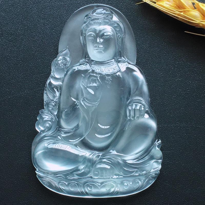 自然光实拍,缅甸a货翡翠,玻璃种坐莲观音,种好通透,起荧光,水润玉质细腻,雕刻精细,大件饱满,品相佳