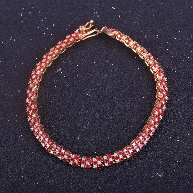 红宝石手链,材质:18k金,配石:钻石,宝石参数:5.85ct,配石:117颗,总重13.94克,链