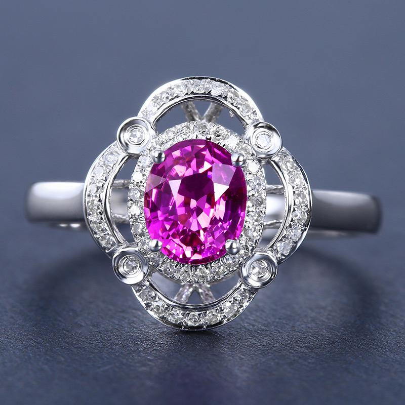 蓝宝石戒指,材质:18k金,配石:钻石,宝石参数:1.17ct,配石:55颗,总重2.62克,圈口: