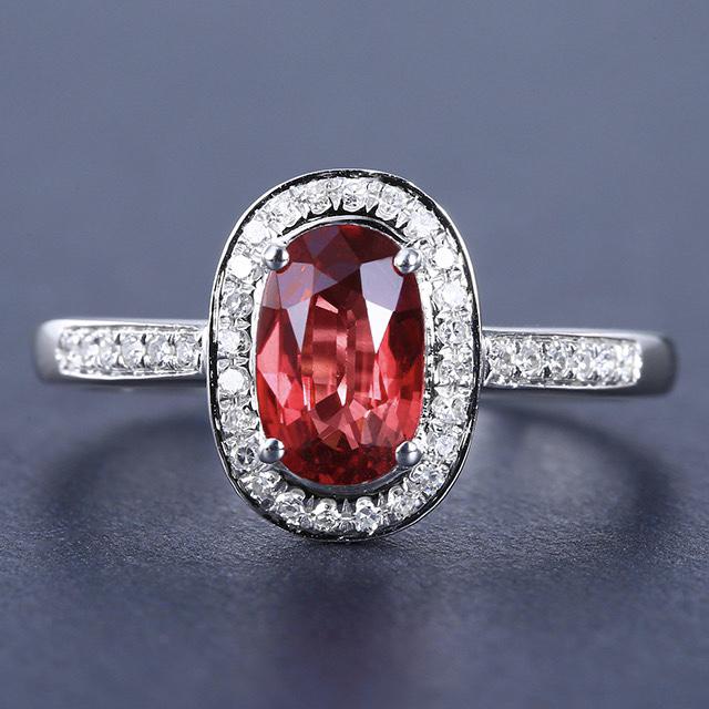 蓝宝石戒指,材质:18k金,配石:钻石,宝石参数:1.1ct,配石:36颗,总重2.32克,圈口:1