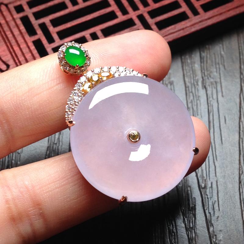 老坑冰淡粉紫平安扣,裸石27*27*6 整体39*27*10 18k金钻石镶嵌,料子细腻,通透无比,
