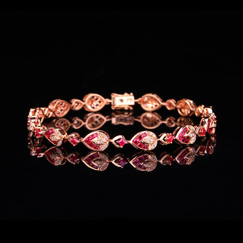 红宝石手链,材质:18k金,配石:钻石,宝石参数:1.86ct,配石:72颗,总重10.86克,链长