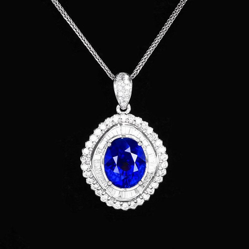 皇家蓝蓝宝石吊坠,材质:18k金,配石:钻石,宝石参数:4.82ct,配石:92颗,总重4.11克,