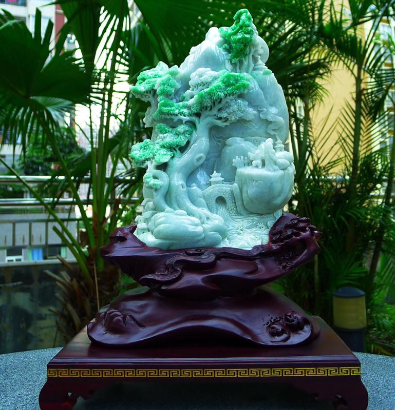 缅甸天然翡翠A货 飘绿 高山流水 山水摆件 雕刻精美线条流畅种水好 层次分明 工艺精湛 搭配精美高档