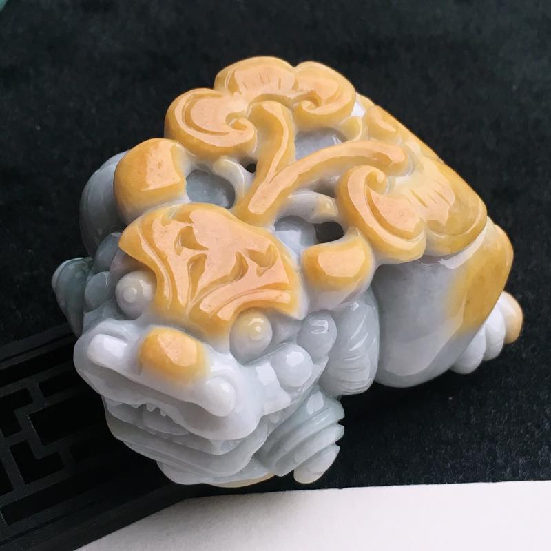 A货翡翠   黄翡貔貅小摆件   尺寸63.2*49.4*37.4mm  水头好,料子细腻,色泽艳丽