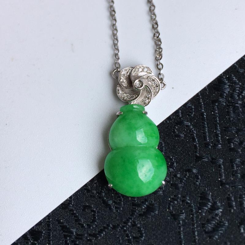 缅甸老坑翡翠A货满绿招财葫芦项链,包金尺寸21.9-9.9-5.9mm,裸石尺寸14.4-9.9-4