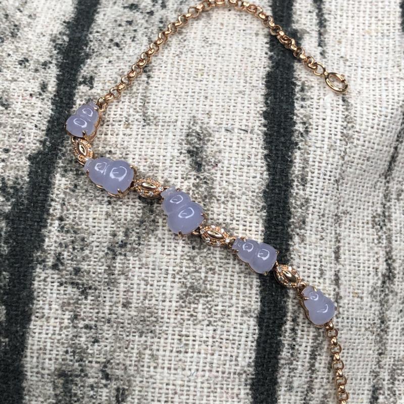 18k玫瑰金镶嵌冰紫罗兰葫芦手链,颗颗起胶起荧光,玉质莹润,色泽均匀亮丽。整体尺寸: