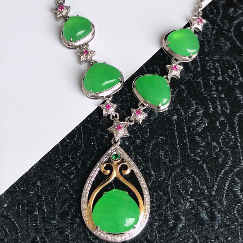 缅甸翡翠老坑A货镶嵌18k金伴钻满绿水滴项链,包金尺寸20.9-13.2-6mm,裸石尺寸8.6-9