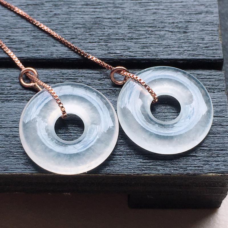 缅甸翡翠平安扣耳坠(18k),自然光实拍,玉质莹润,佩戴佳品,尺寸:14.4*2.4 mm,重2.5