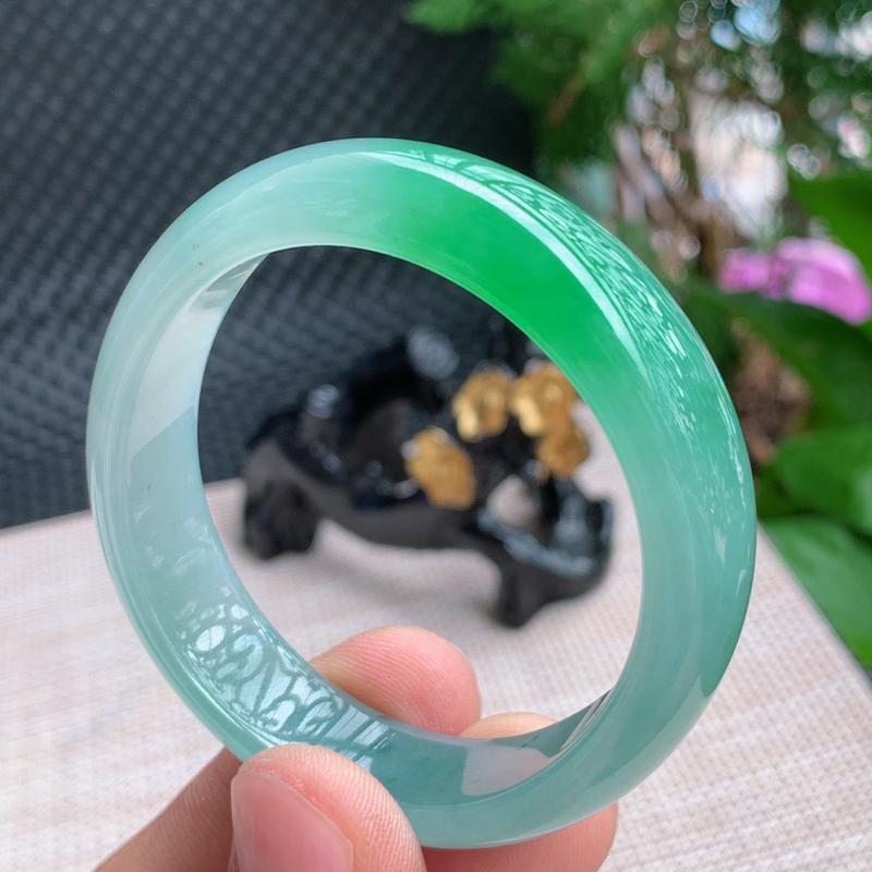 飘花贵妃、尺寸:56.6/48.2/13/7.1mm,A货翡翠飘花贵妃手镯、编号0918