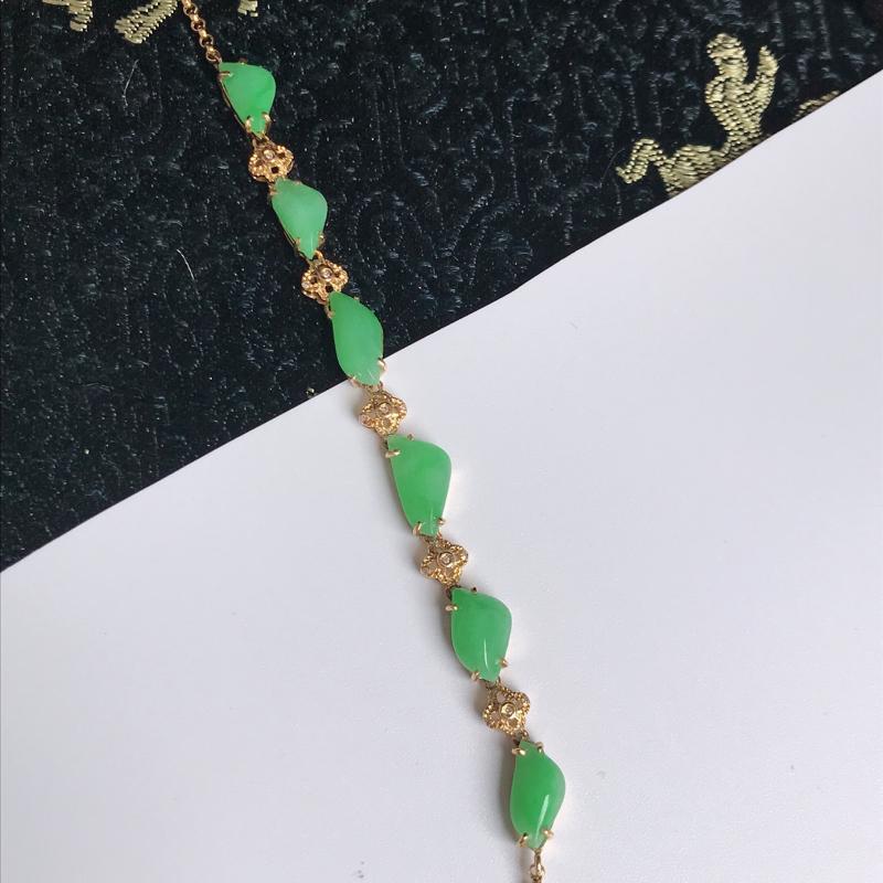 缅甸翡翠老坑A货镶嵌18k金伴钻随形手链,尺寸9.8-4.9-3mm,手链长185mm