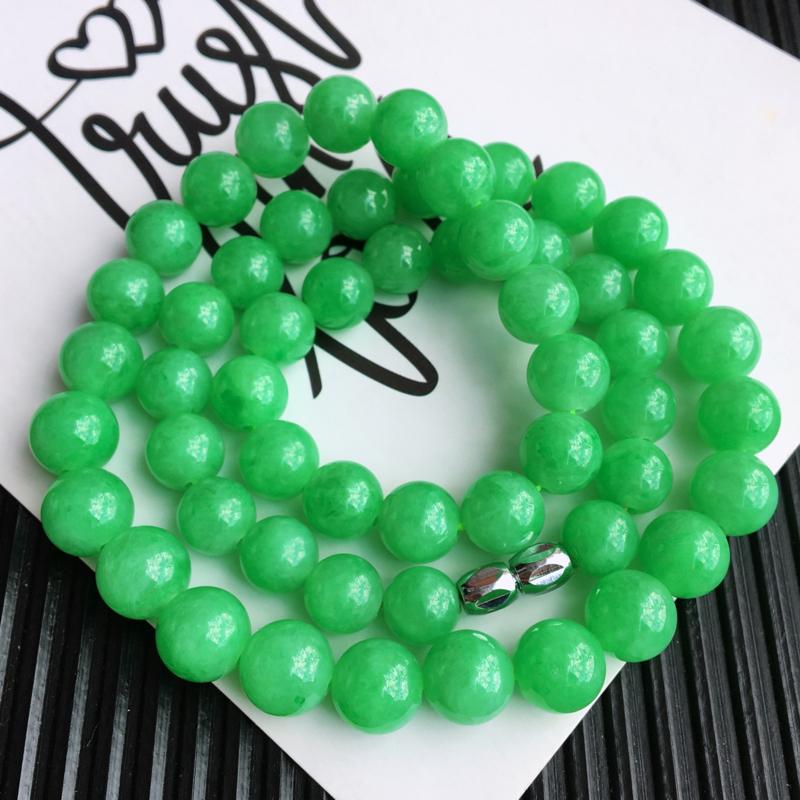天然翡翠A货糯化种飘阳绿塔珠项链,尺寸:10.7/9.4mm,玉质细腻,颜色鲜艳,上身效果好
