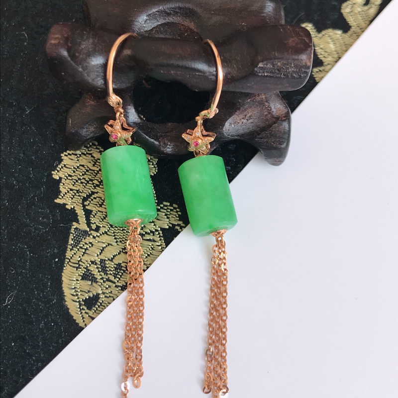 缅甸翡翠老坑A货镶嵌18k金伴钻满绿福气耳坠,包金尺寸60mm,裸石尺寸11.8-7.2mm