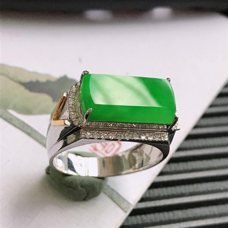 满绿18k金伴钻马鞍戒指,/9.18翡翠A货,包金尺寸:18*10.2*6.7mm,裸石尺寸:14.