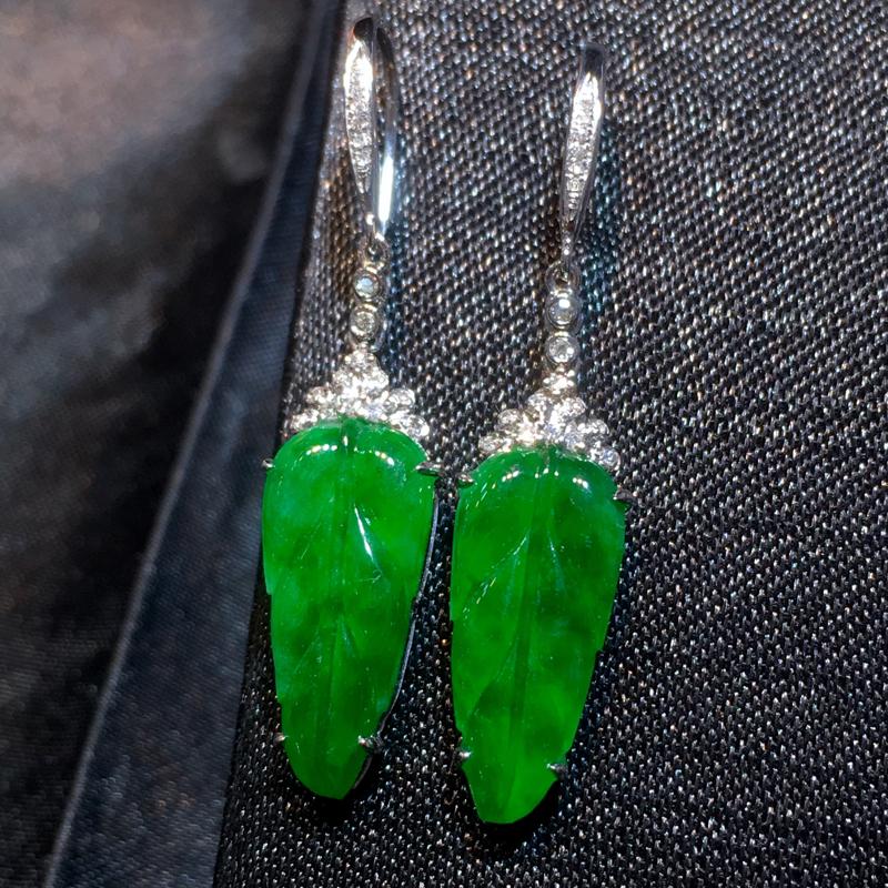 翡翠a货,满绿福叶耳环,18k金镶嵌,色辣,种水好,佩戴精美