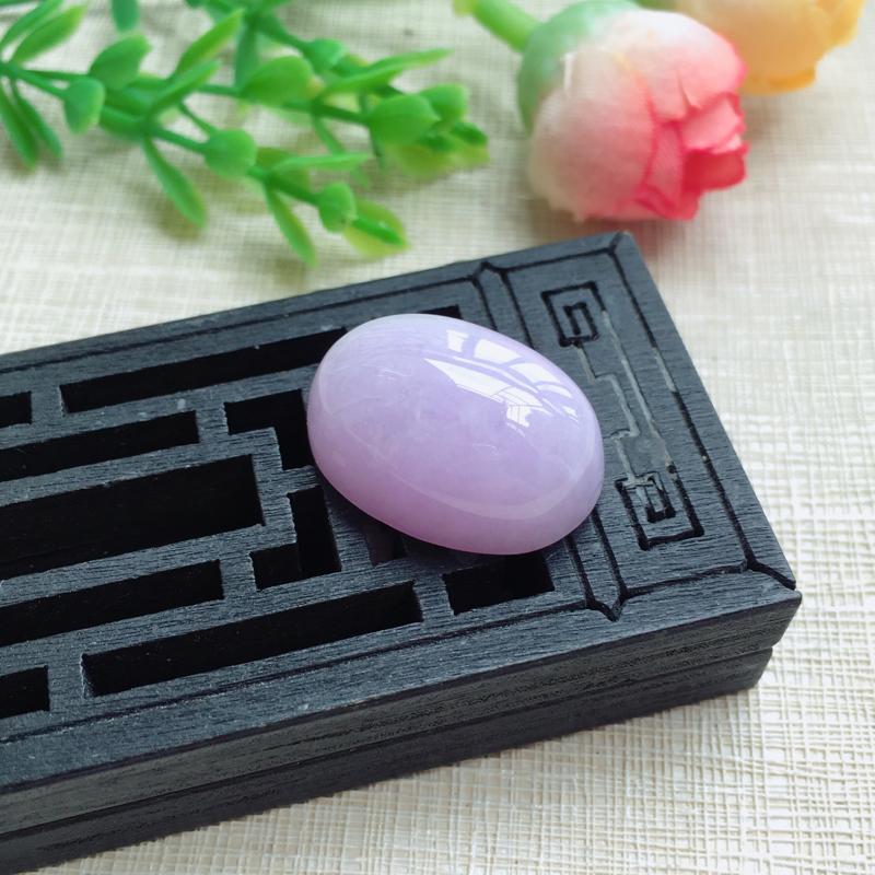 天然A货翡翠  【自然光拍摄】粉紫罗兰鸽子蛋面 料子细腻  佩戴效果佳!尺寸21*15*6.6mm