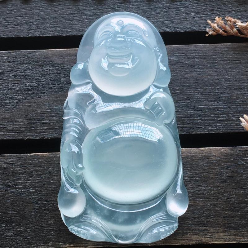 自然光实拍,缅甸a货翡翠,冰种玉佛,种好通透,水润玉质细腻,雕刻精细,饱满品相佳,有孔可直接佩戴。