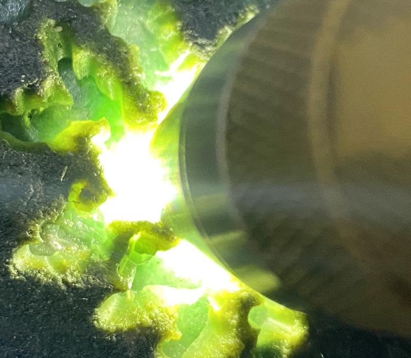 #矿区新货来袭#  【名称】1.9公斤莫西沙开窗色料       【重量】1.9公斤