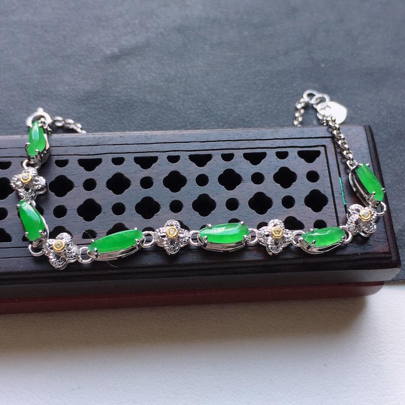 缅甸翡翠18K金伴钻镶嵌满绿手链,玉质细腻,雕工精美,佩戴送礼佳品,裸石尺寸:7.5*2.4*2