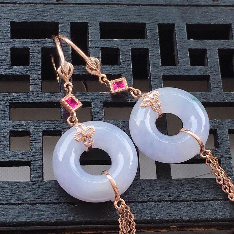 精品翡翠18k镶嵌伴钻耳坠,玉质莹润,佩戴效果更美,尺寸:裸石尺寸:14*4.8MM,总质量:4.8