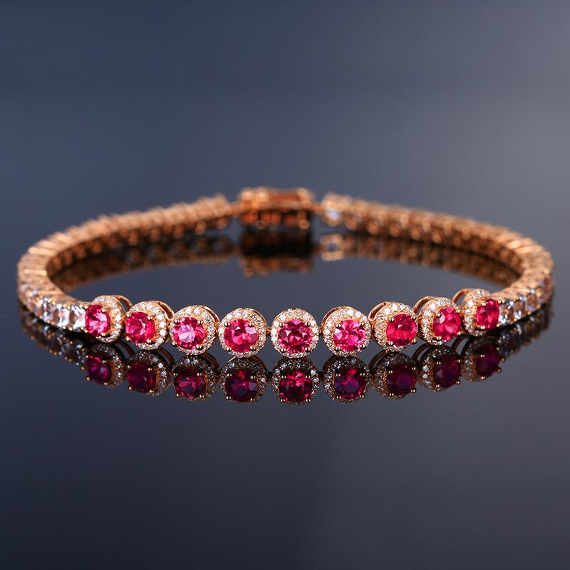 红宝石手链,材质:18k金,配石:白蓝宝、钻石,宝石参数:2.03ct,配石:182颗,总重11.6