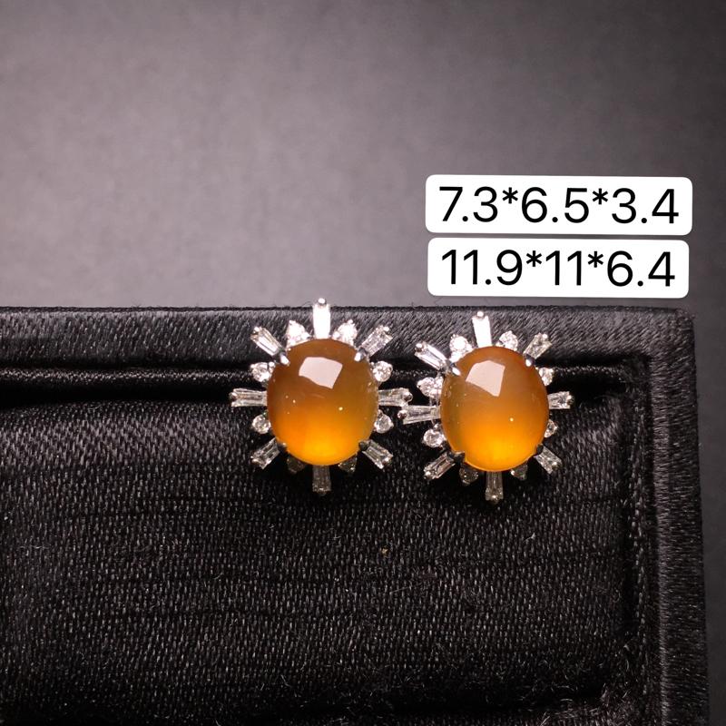 黄翡蛋面耳钉,18K金镶嵌,无纹无裂,玉质细腻,质量杠杠的,性价比超高**