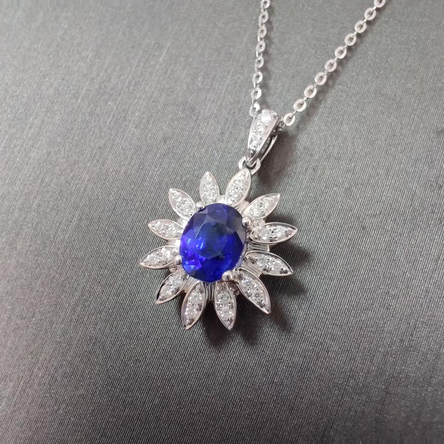 【吊坠】蓝宝石+18k金+钻石  宝石颜色纯正 主石:0.88ct   货重:2.31g