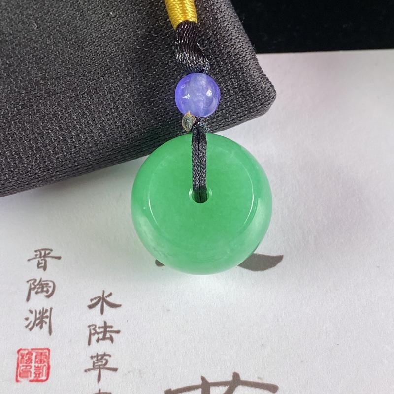 A货翡翠-种好满绿路路通吊坠,尺寸-18.8*12.9mm,顶珠为装饰