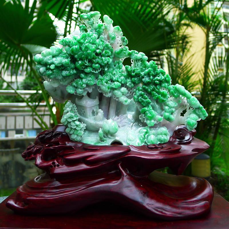 缅甸天然翡翠A货 飘绿高山流水 山水摆件 雕刻精美线条流畅种水好 层次分明 工艺精湛 搭配精美高档檀