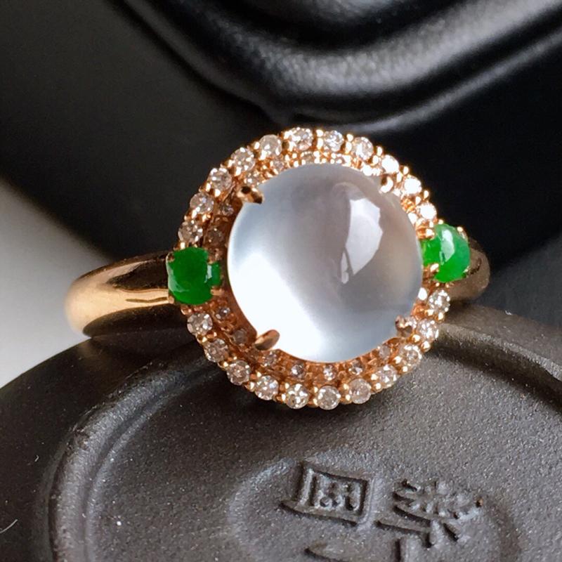 18k金镶钻,冰种蛋面戒指,佩戴效果更佳,整体尺寸12.3*11.3*8.7