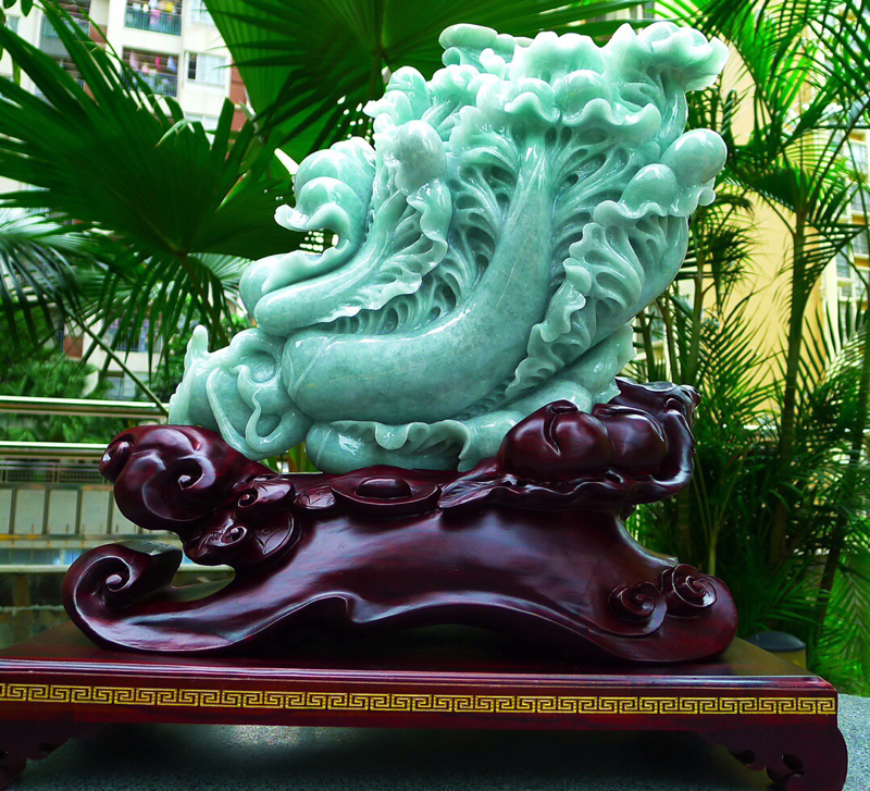 缅甸天然翡翠A货 老坑精美浅绿满色,八方来财 财源广进 升官发财 白菜摆件 雕刻精美线条流畅 种水好