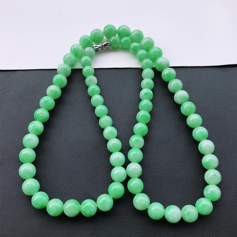 天然翡翠A货细糯种满绿精美圆珠尺寸9mm,玉质细腻,种水好,上身效果漂亮